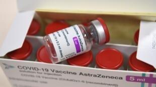 Les médecins du travail pourront administrer le vaccin AstraZeneca à compter du 25 février aux salariés de 50 à 64 ans atteints de comorbidités