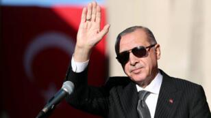 Jusqu'à présent, Erdogan a préféré laisser les informations sortir dans la presse pour que la pression internationale s'intensifie, selon de nombreux analystes.