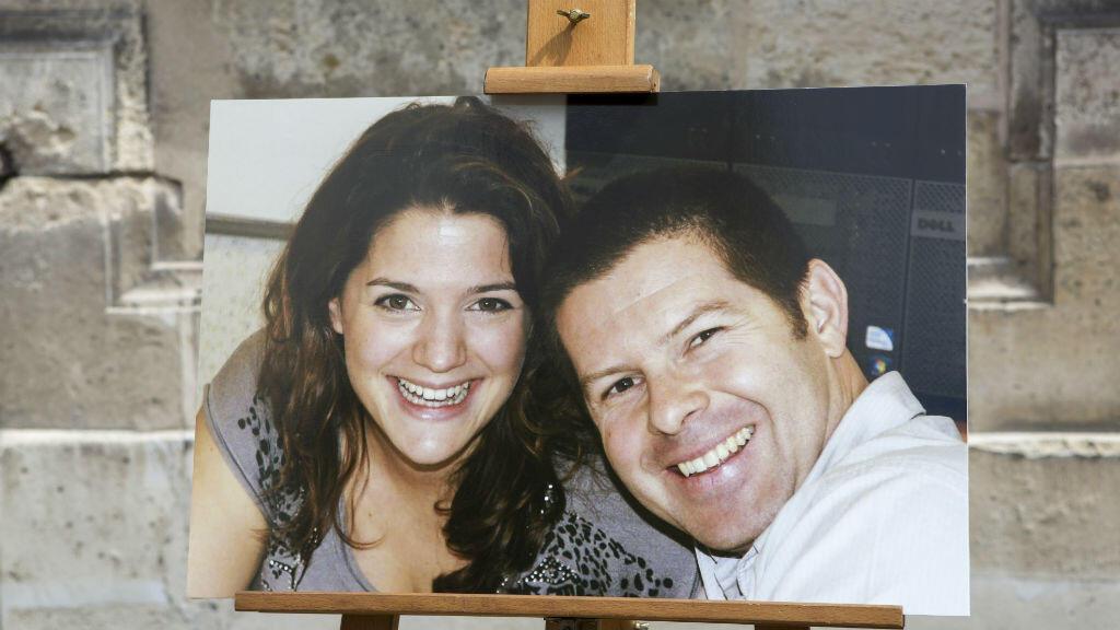 La photographie du couple de policiers tués à Magnanville, le 15 juin au ministère de l'Intérieur de Paris.