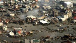 التسونامي تسبب بكارثة فوكوشيما، أسوا كارثة نووية في ربع القرن الأخير.