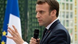 الرئيس الفرنسي إيمانويل ماكرون في صورة له في مدينة بوردو الفرنسية تعود إلى الأول من آذار/مارس 2019