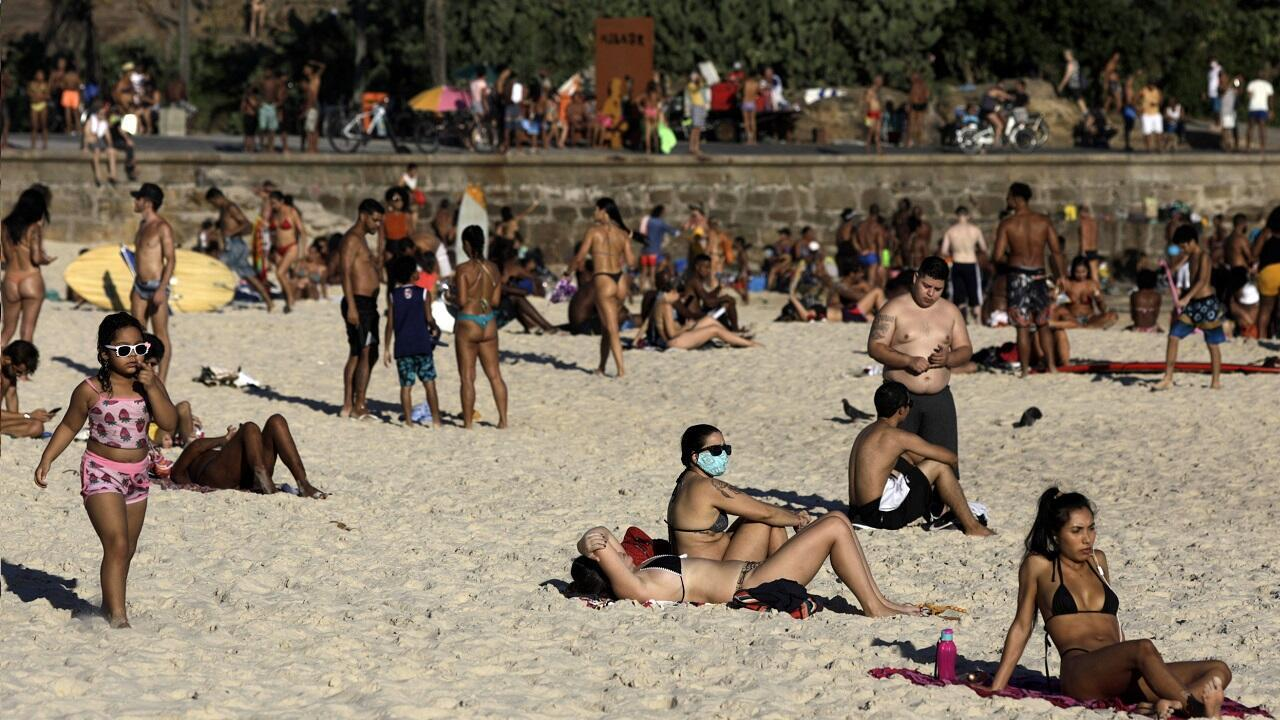 Así luce la playa de Arpoador en Río de Janeiro, Brasil, el 21 de junio de 2020.