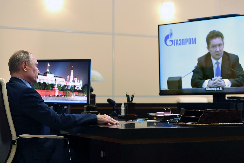 El presidente ruso, Vladimir Putin, durante una reunión por videoconfrencia con el director general de Gazprom, Alexéi Miller, en Moscú, el 19 de enero de 2021