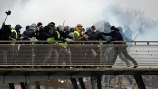 Samedi 5 janvier 2019, Christophe Dettinger s'en est violemment pris à deux gendarmes lors d'une manifestation des Gilets jaunes à Paris.