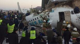 2019-12-27T060129Z_2137276559_RC2I3E9PBO3E_RTRMADP_3_KAZAKHSTAN-AIRPLANE-CRASH
