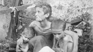 Une famille souffrant de la famine au Mont-Liban