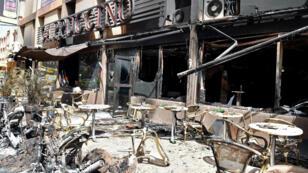 La terrasse du restaurant Cappuccino à Ougadougou après l'attaque jihadiste, le 18 janvier 2016.