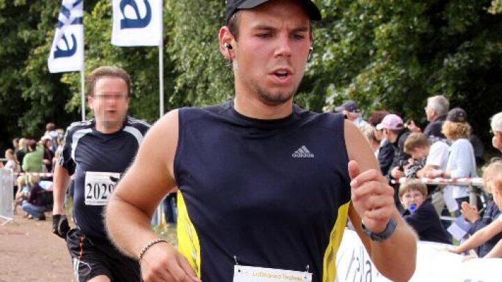 Andreas Lubitz runs a marathon in Hamburg on September 13, 2009.