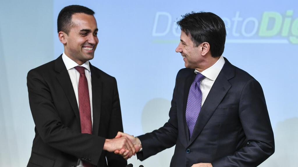 Le vice-Premier ministre italien et leader du Mouvement 5 Étoiles, Luigi di Maio, et le Premier ministre italien Giuseppe Conte, le 3 juillet 2018, à Rome.