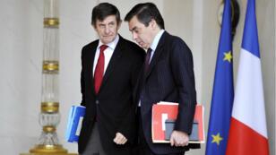 François Fillon alors Premier ministre, et Jean-Pierre Jouyet alors secrétaire d'État chargé des Affaires européennes, à l'Élysée le 12 novembre 2008.
