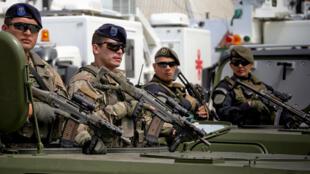 La Policía Federal Argentina presenta el nuevo equipamiento del que las fuerzas de seguridad dispondrán en el marco de la Cumbre G20, donado por China y valorado en 17,3 millones de dólares.