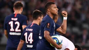 Kylian Mbappé, chouchou du public chinois, a marqué le but égalisateur du PSG face à Rennes, lors du trophée des champions, à Shenzen, en Chine.