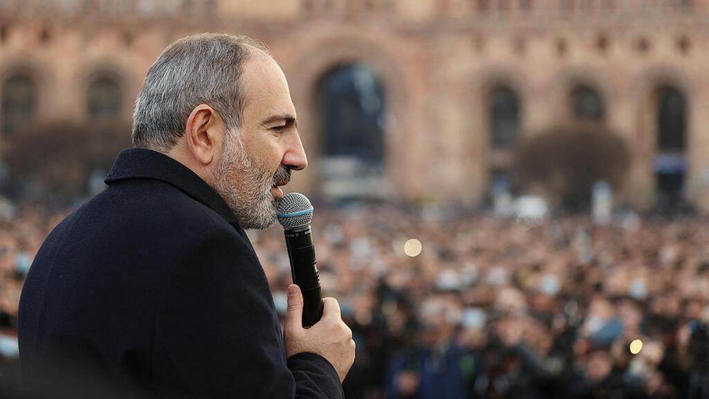 """Arménie : """"Ce n'est pas vraiment un coup d'État, l'armée n'est pas mobilisée"""""""