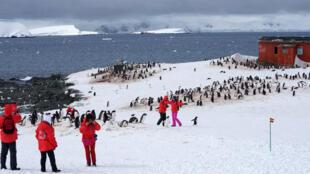 Touristes chinois en Antarctique, le 22 novembre 2014.