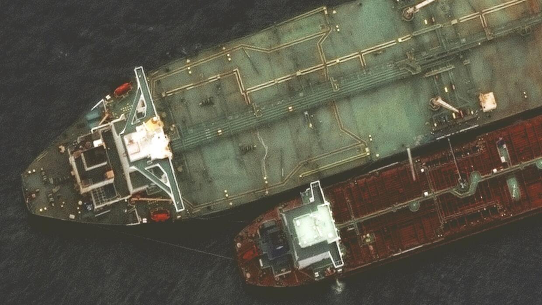 انفجار على متن ناقلة نفط إيرانية قرب ميناء جدة السعودي في البحر الأحمر
