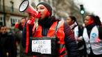 French govt offers some concessions, but strike over pension reform continues