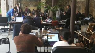 L'équipe qui a développé Textfugee, un traducteur de SMS, qui a eu les faveur du jury du hackaton.