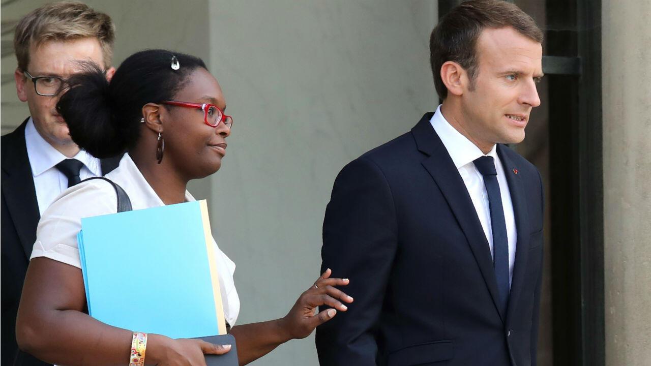 Sibeth Ndiaye, proche collaboratrice d'Emmanuel Macron, devient porte-parole du gouvernement.