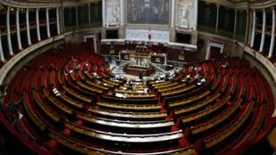 L'hémicycle de l'Assemblée nationale, le 17 avril 2020, pour le vote du budget.