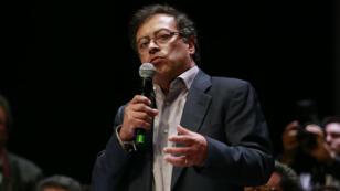 Gustavo Petro est le premier candidat de gauche à se hisser au second tour de l'élection présidentielle en Colombie.