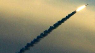 """Un missile lancé par le dispositif """"Arrow"""", système israélien de défense antimissile; en janvier 2003."""