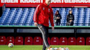 الهولندي ياب ستام خلال حصة تدريبية لفريقه السابق فينورد روتردام عشية مواجهة اياكس اسمتردام في الدوري الهولندي. 26 تشرين الاول/اكتوبر 2019