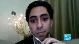 """Le blogueur et journaliste Raïf Badawi pourrait être rejugé par la cour pénale de Jeddah pour """"apostasie""""."""
