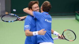 Nicolas Mahut et Julien Benneteau ont remporté le double, samedi 7 mars à Francfort.