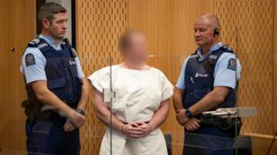 منفذ الهجوم برنتون تارنت خلال جلسة محاكمة في كرايستشيرش في 16 مارس 2019.