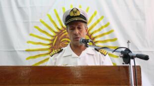 El capitán de navío Enrique Balbi, portavoz de la fuerza naval, ofrece declaraciones a los medios de comunicación hoy, jueves 23 de noviembre de 2017, en la sede la Armada Argentina en Buenos Aires (Argentina).