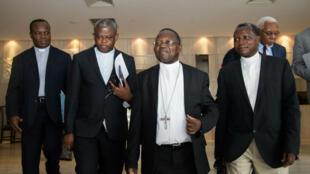 Des membres de la Conférence épiscopale nationale du Congo (Cenco) rencontrent des membres de l'ONU à Kinshasa, le 12 novembre 2016.