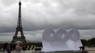 Préparation des festivités en vue de l'officialisation de la victoire de Paris pour accueillir les JO en 2024.