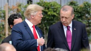 Les présidents américain et turc en discussion au sommet de l'Otan à Bruxelles le 11 juillet 2018.