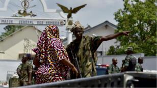 متمردون في مدينة بواكيه في ساحل العاج 14 أيار/مايو 2017