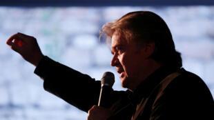 """El ex estratega jefe de la Casa Blanca, Steve Bannon, pronuncia un discurso en la reunión """"Atreju 2018"""" organizada por Fratelli d'Italia en Roma, Italia, el 22 de septiembre de 2018."""