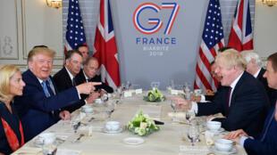 اجتماع بين الرئيس الأمريكي دونالد ترامب ورئيس الوزراء البريطاني بوريس جونسون على هامش قمة مجموعة السبع في فرنسا. 25 أغسطس/آب 2019.