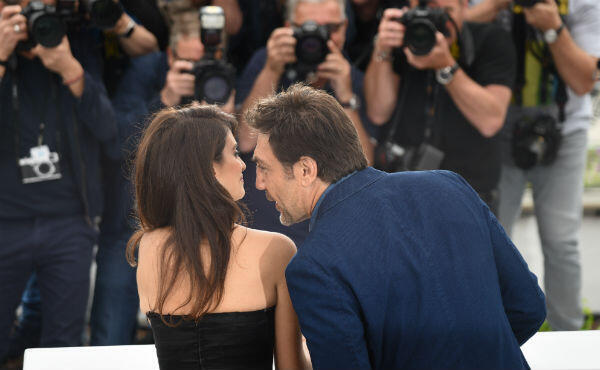 "Cinema's ""golden couple"" Cruz and Bardem attend Wednesday's photocall."