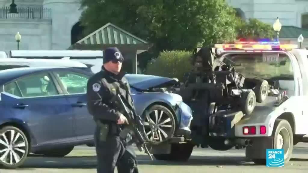 2021-04-03 14:31 EE. UU.: un hombre en un vehículo atropelló a dos policías del Capitolio en Washington