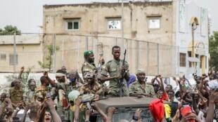 Mali armée militaires coup état fête