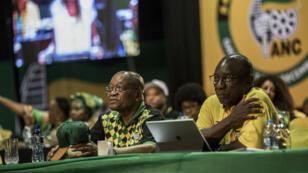 Le président sud africain Jacob Zuma et le vice-président de l'ANC, Cyril Ramaphosa, lors de l'ouverture de la conférence national du parti dimanche 17 décembre.