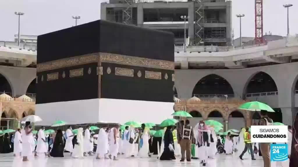 2021-07-17 23:06 Arabia Saudita: inició peregrinación a La Meca bajo estrictas medidas por el Covid-19