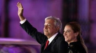 Andrés Manuel López Obrador, candidato a la presidencia de México fue duramente atacado por los candidatos. Abril 22 de 2018.