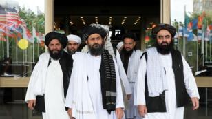 Des membres de la délégation des Taliban après des pourparlers de paix avec des hommes politiques afghans de haut rang, à Moscou, le 30mai2019.
