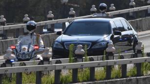 Le convoi accompagnant le dirigeant nord-coréen Kim Jong-un à Pékin, le 19 juin 2018.