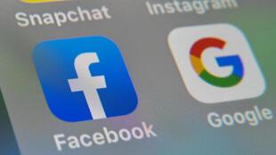 Facebook et Google sont opposés à toute mesure qui les contraindrait à partager les revenus publicitaires, comme le prévoit un projet de loi australien présenté le 31 juillet 2020 à Sydney