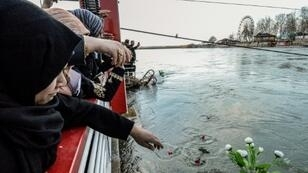 Mourning relatives of those who died in the ferry tragedy have expressed outrage at allegedly corrupt officials