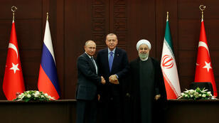 El presidente ruso, Vladimir Putin, el mandatario turco, Recep Tayyip Erdogan, y su hoólogo Iraní, Hassan Rohaní, se reúnen en en Ankara, Turquía, para una cumbre trilateral sobre el conflicto de Siria este lunes 16 de septiembre