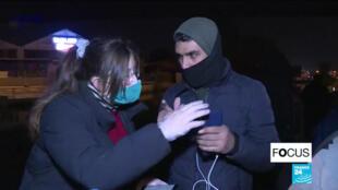 Des bénévoles de l'association Utopia56 viennent aider les migrants toujours à la rue en plein confinement face à l'épidémie de Covid-19.
