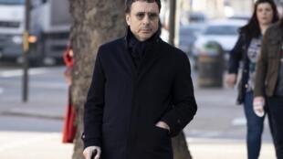 L'homme d'affaires franco-algérien Alexandre Djouhri arrive au tribunal, à Londres pour assister à une audience d'extradition, le 26 février 2019.