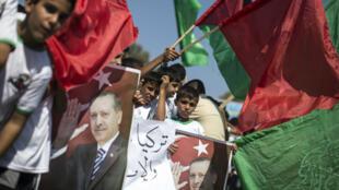 En 2016, des Palestiniens avaient affiché leur soutien à Recep Tayyip Erdogan après la tentative de coup d'État en Turquie, dans la nuit du 15 au 16 juillet 2016.
